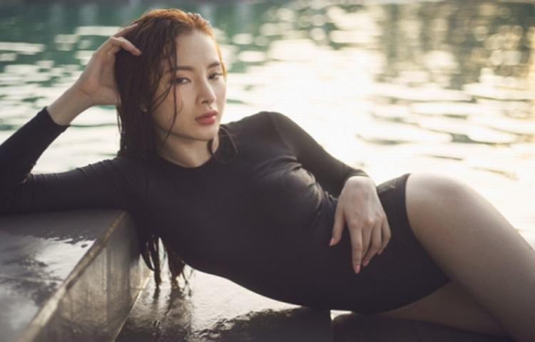 Mặc bikini đẹp như Angela Phương Trinh hè 2015