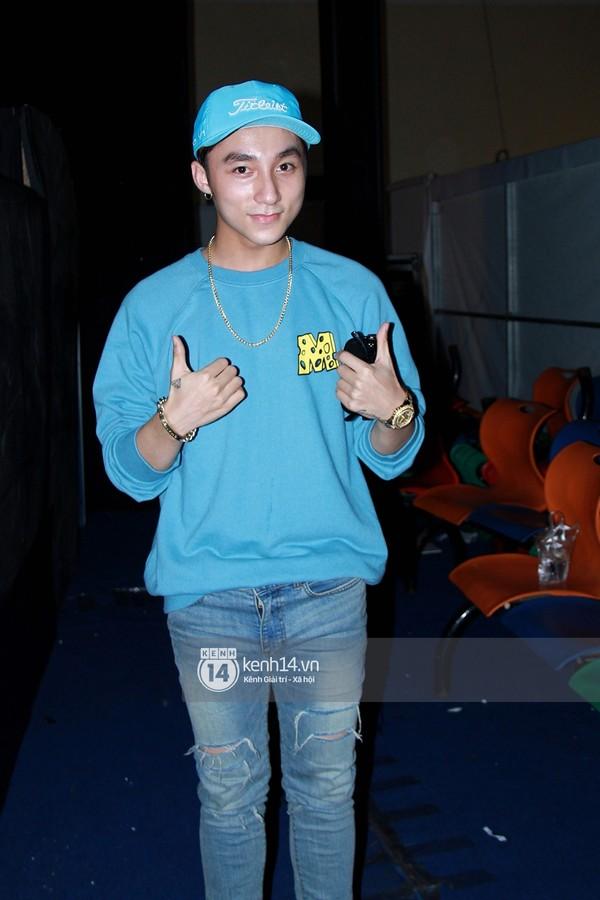 """Sơn Tùng M-TP ủng hộ team Mỹ Tâm trong buổi duyệt """"The Voice"""""""