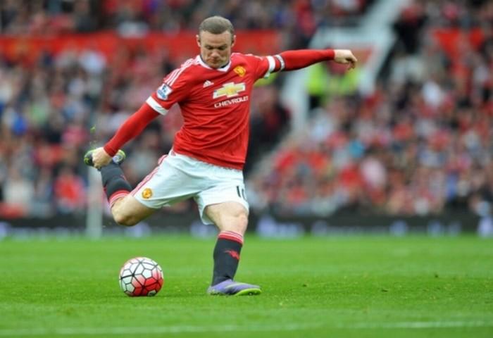 Van Gaal có điên mới trảm Rooney