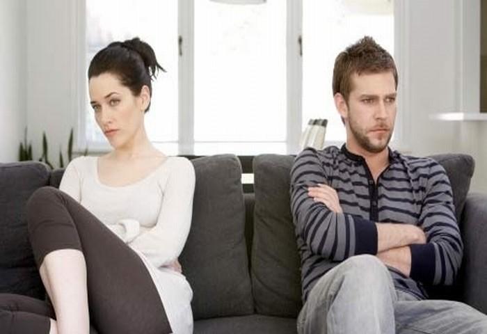 Vui vẻ chán chê với bồ mới phát hiện vợ… đang đứng quay phim