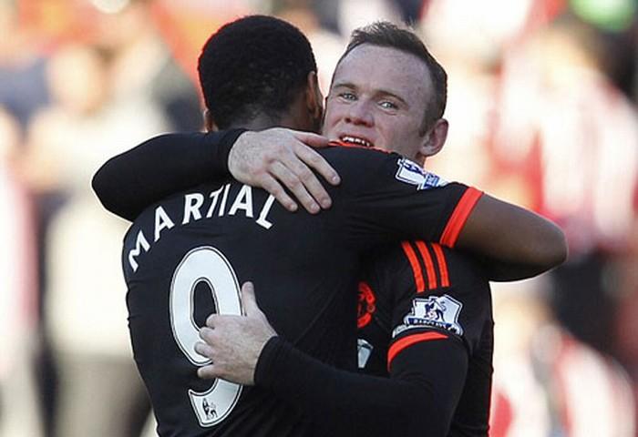 CĐV M.U ầm ầm tẩy chay Rooney, ủng hộ Martial