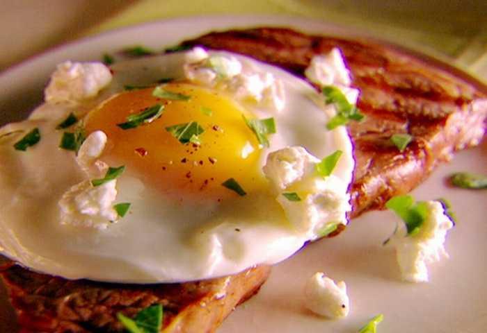 Có nên ăn trứng vào buổi tối không?