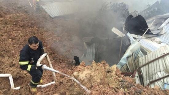 Nổ gần hiện trường lở đất ở Trung Quốc, nhiều người phải sơ tán