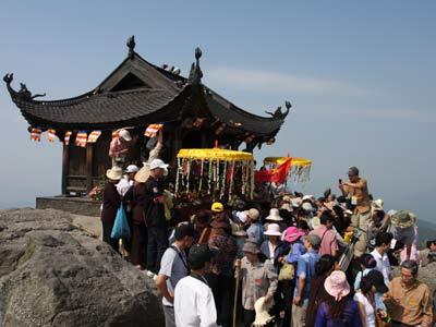 Đầu xuân du lịch Yên Tử