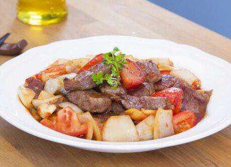 Cách làm thịt bò sốt cà chua ngon cơm