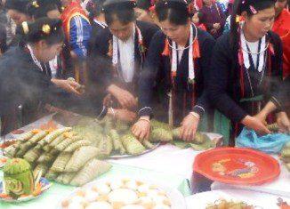 Du lịch Yên Bái thưởng thức bánh chưng gù của người Dao đỏ