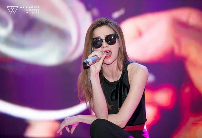"""Dàn sao """"hot"""" giản dị đến tổng duyệt Gala WeChoice 2015"""