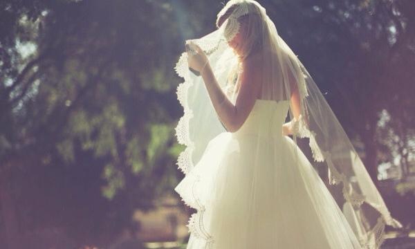 Tôi ngất xỉu trong ngày cưới vì bị chồng phản bội