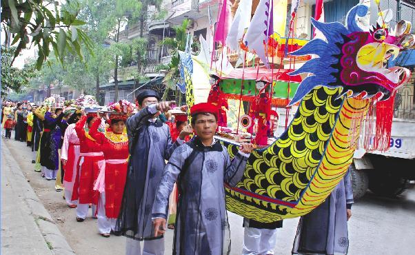 Sôi động lễ hội cầu ngư làng Ngư Lộc