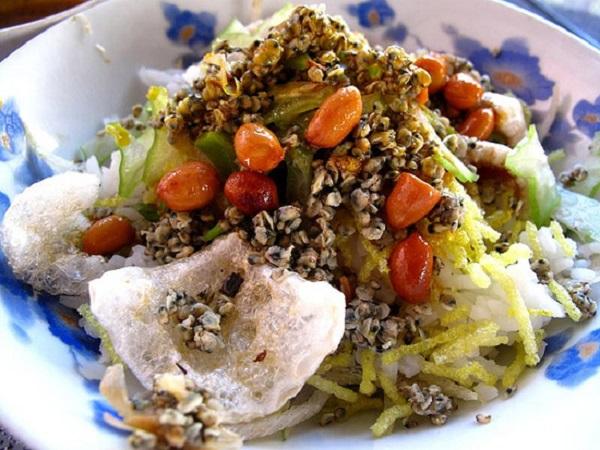 Món cơm hến giản dị của người dân xứ Thanh