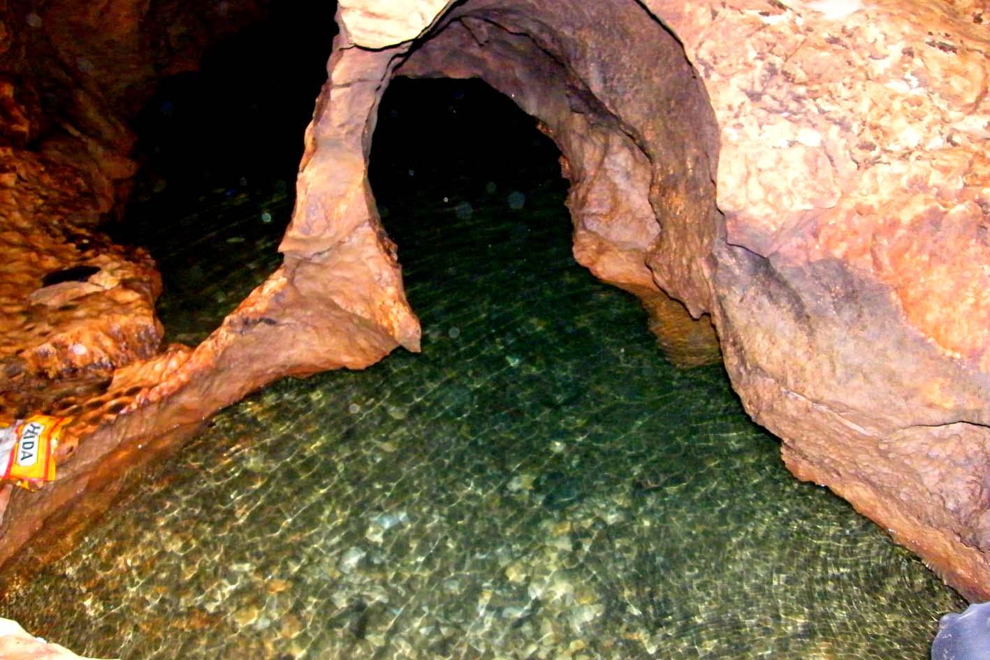 Cảnh quan thiên nhiên kỳ bí của hang Thẳm Nặm