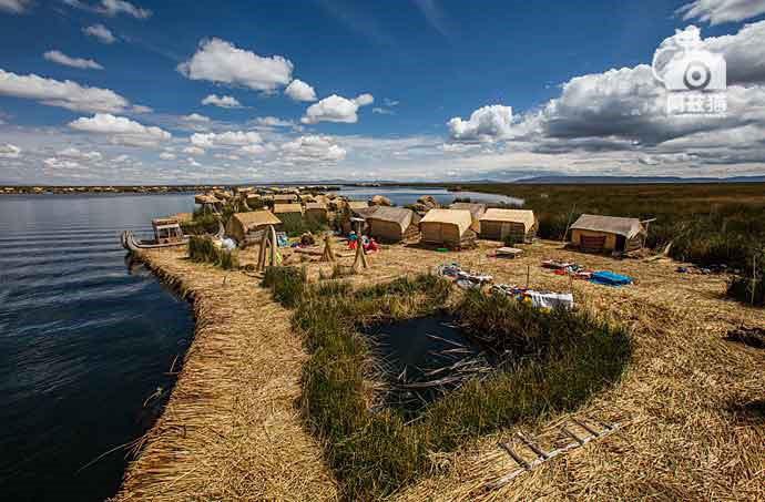 Độc đáo đảo nổi trên hồ Titicaca