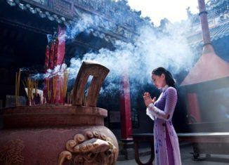 Lễ chùa đầu năm – Nét văn hóa đặc sắc của người Việt
