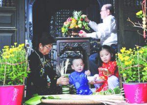"""""""Gửi Tết"""" – Nét đẹp truyền thống đáng quý của Tết Việt"""