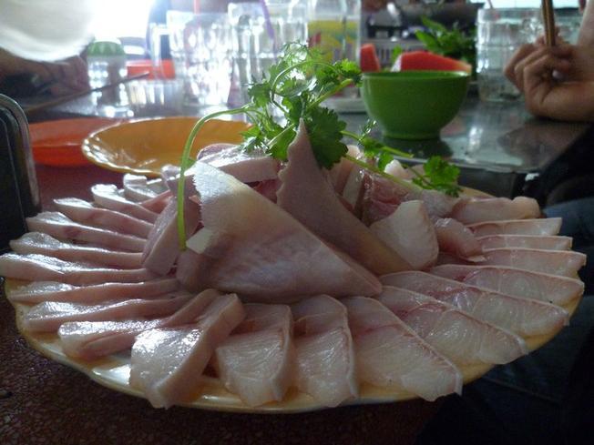 Cá nhám nhúng dấm – Đặc sản Đà Nẵng độc đáo