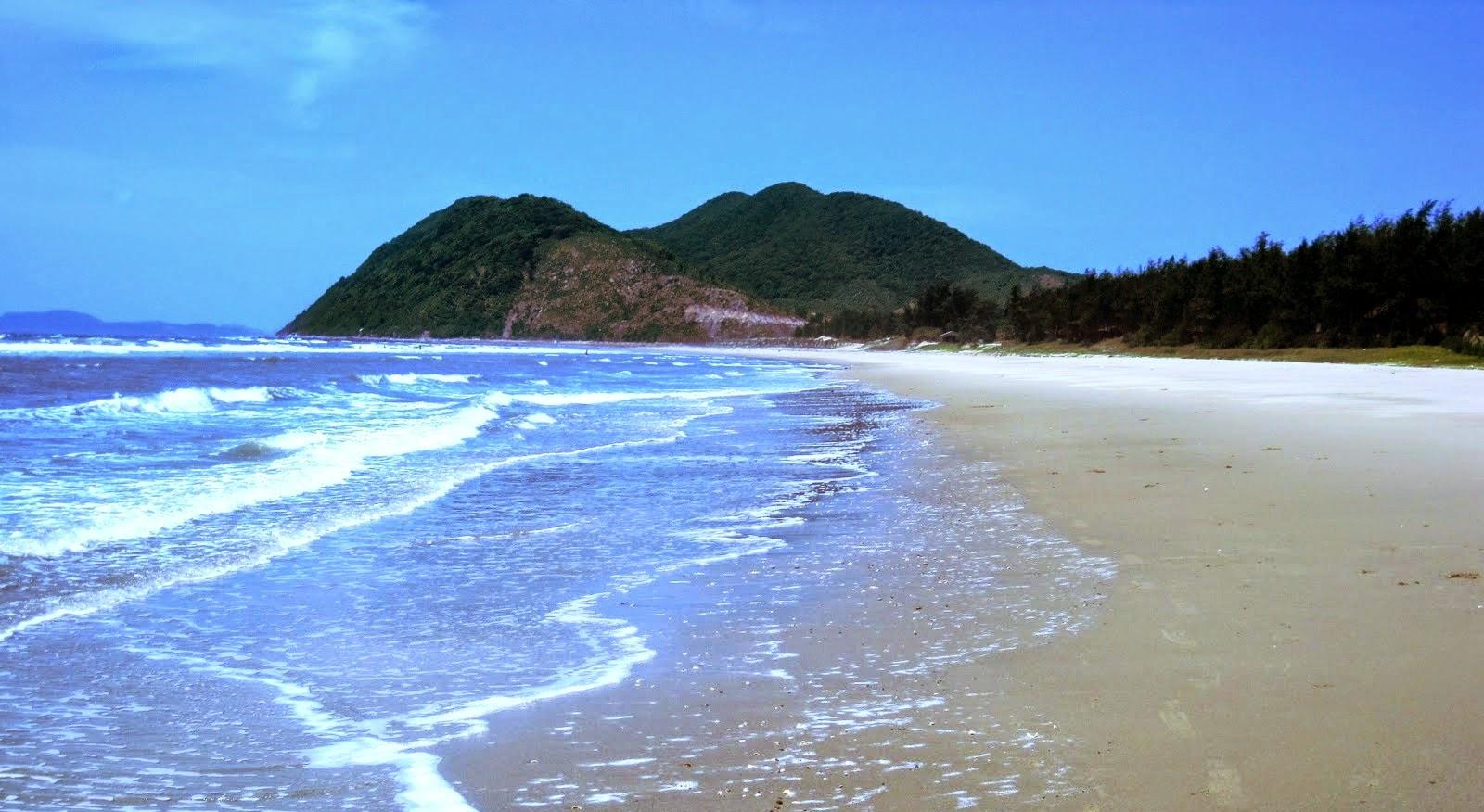 Bãi tắm Quan Lạn - GSV Travel