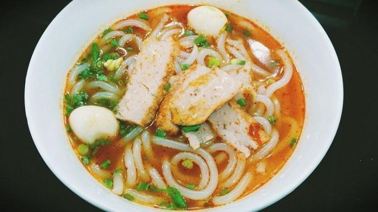 Cảm nhận vị ngọt thanh tinh khiết đặc biệt của bánh canh Nha Trang