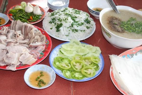Bánh hỏi cháo lòng – Nét ẩm thực dân dã của Phú Yên
