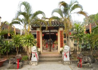 Kiến trúc đơn giản hữu tình của miếu Ông Lịch Hà Tiên