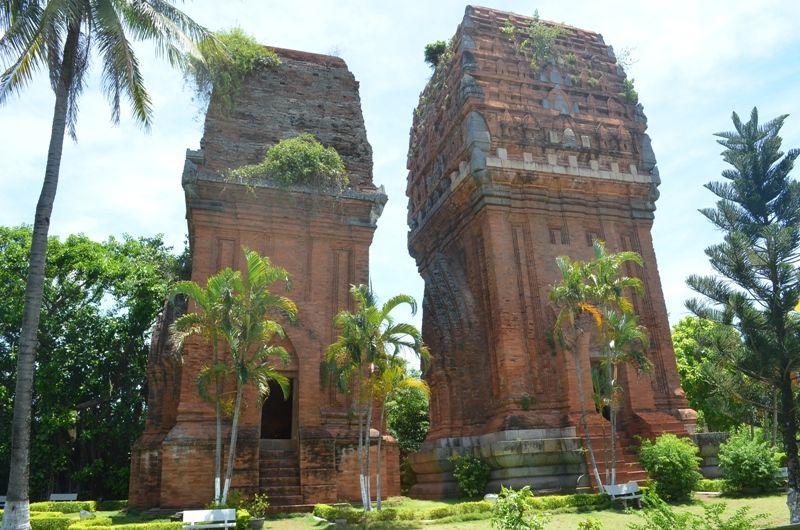 Nghệ thuật kiến trúc độc đáo của tháp Đôi Bình Định