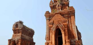 Tháp Bánh Ít - GSV Travel