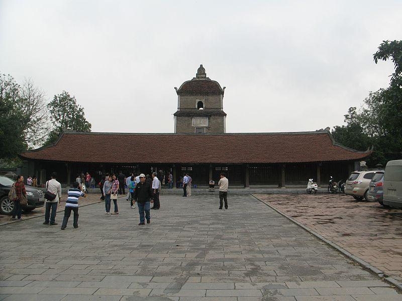 Không gian uy nghi trầm mặc của chùa Dâu
