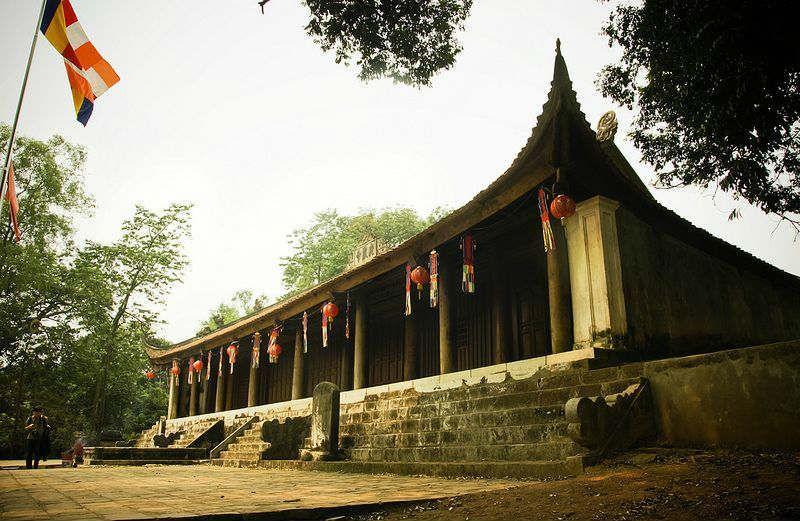 Những đền chùa linh thiêng vãn cảnh đầu năm