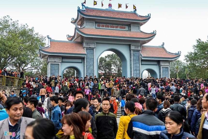 Hàng nghìn du khách nô nức trẩy hội Lim