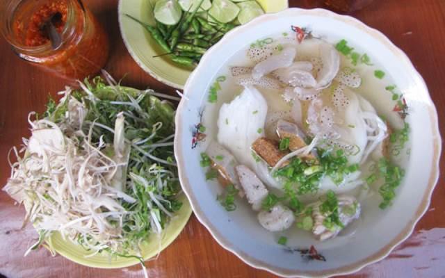Hương vị đậm đà hết xảy của tô bún sứa Nha Trang