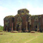 Chiêm ngưỡng kiến trúc cổ đặc sắc của tháp Chiên Đàn