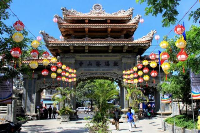 Chiêm ngưỡng vẻ thanh tịnh của chùa Long Sơn