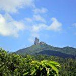 Vẻ đẹp sừng sững sắc nhọn uy nghiêm của núi Đá Bia