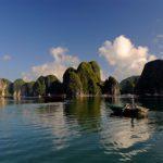 Chiêm ngưỡng khung cảnh mộng mơ thanh bình của vịnh Lan Hạ