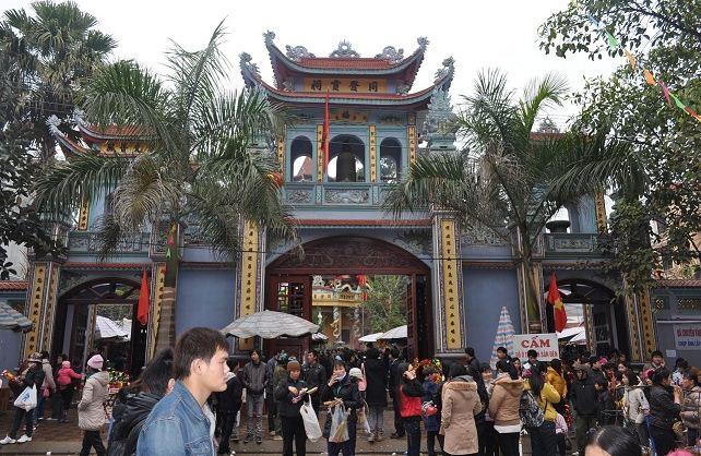 Vẻ đẹp uy nghi cổ kính của đền mẫu Đồng Đăng