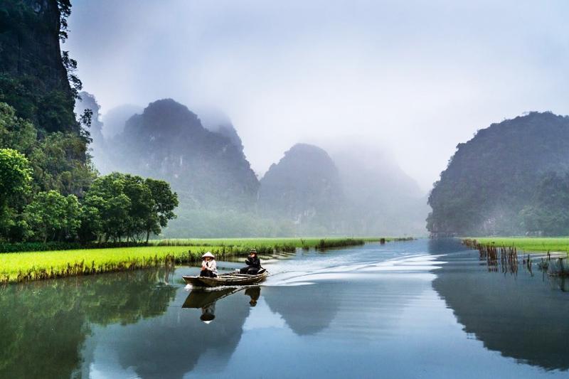 Khám phá vẻ đẹp đầy mê mẩn của Ninh Bình