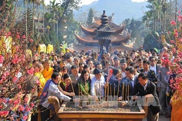 Những đặc sản dân dã ấn tượng của chùa Hương