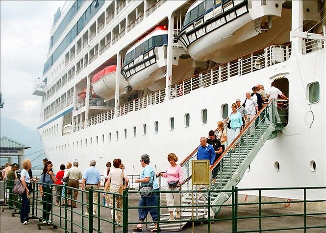 cảng Chân Mây - GSV Travel